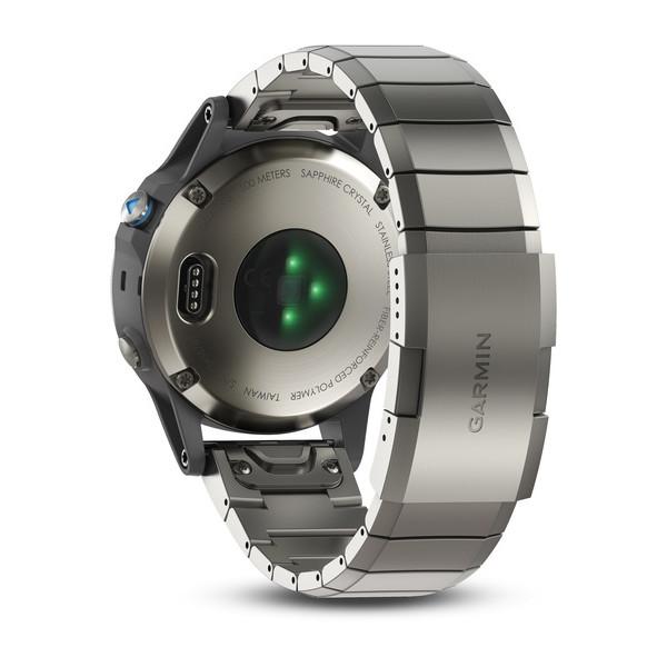 Orologio garmin Quatix 5 per navigazione in acciaio